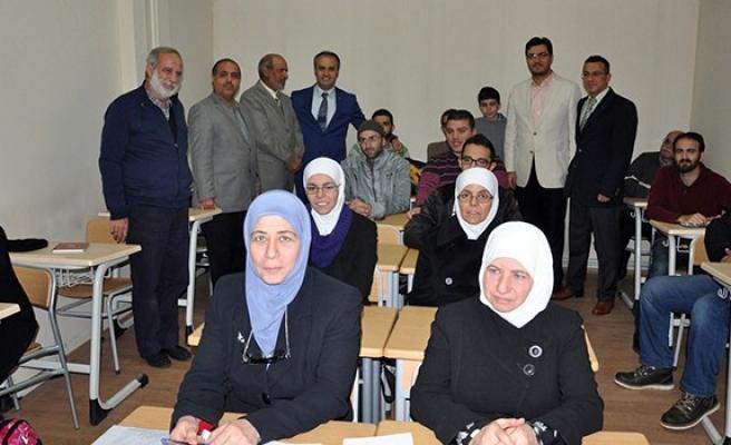 Suriyelilere il dışına çıkış yasağı