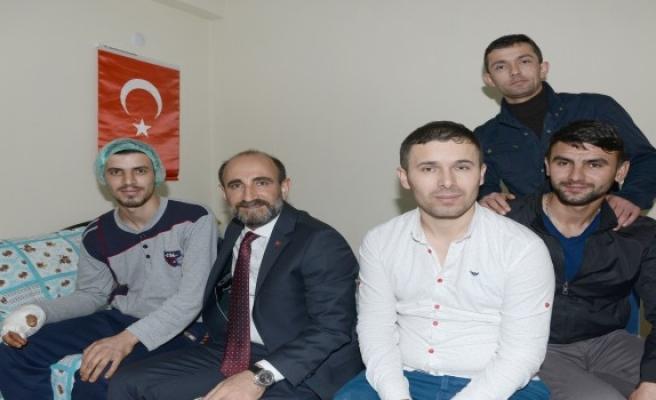 Başkan Edebali'den Hakkari'de Gazi olan askere ziyaret