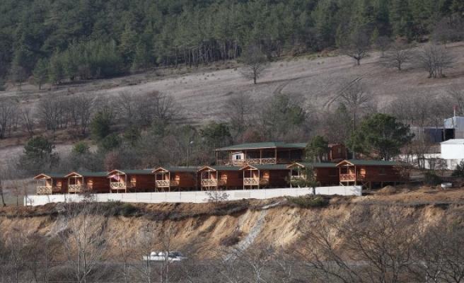 Orhaneli'nde kurulan insanlık köyü hizmete