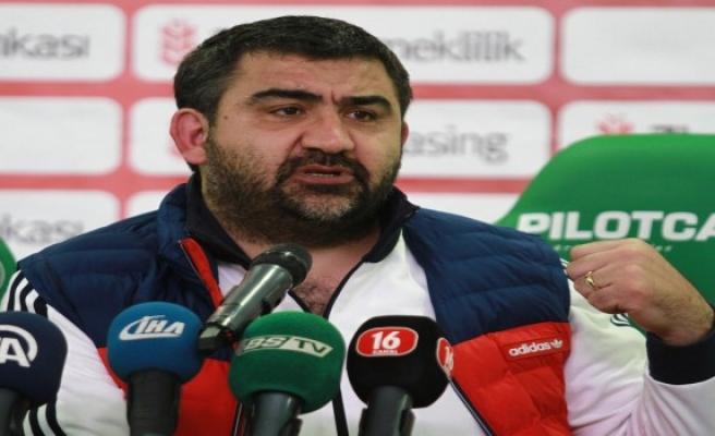 Özat'tan Bursaspor - Gençlerbirliği maçında yaşananlar ile ilgili açıklama