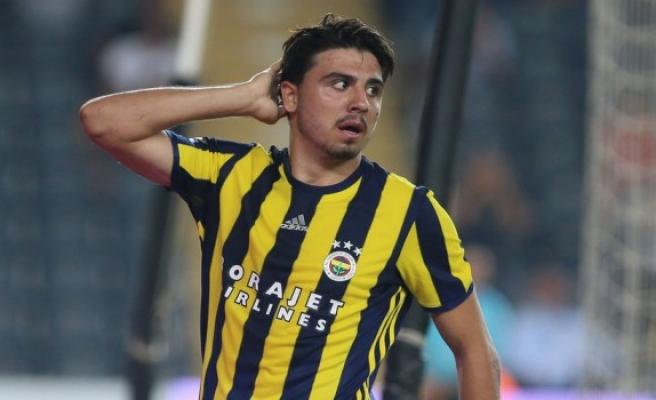 Fenerbahçe'de flaş karar! Ozan Tufan ve Van Persie