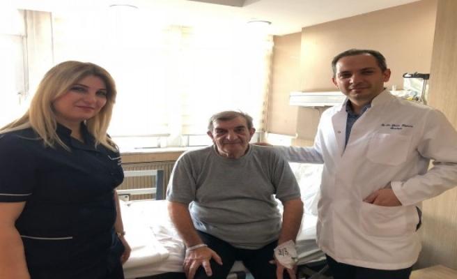 8 santimetrelik tümör laparoskopik teknik kullanılarak alındı