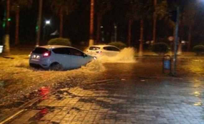 Mersin'de şiddetli yağışların zararı 115 milyon lira