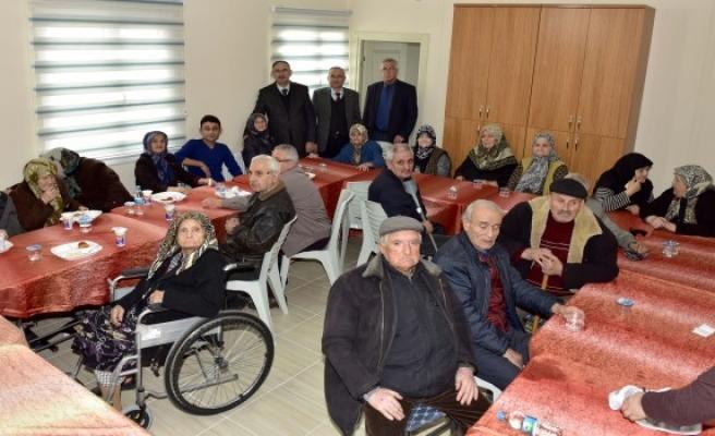Mustafakemalpaşa Belediyesi ihtiyaçlı vatandaşların hayatına dokunuyor