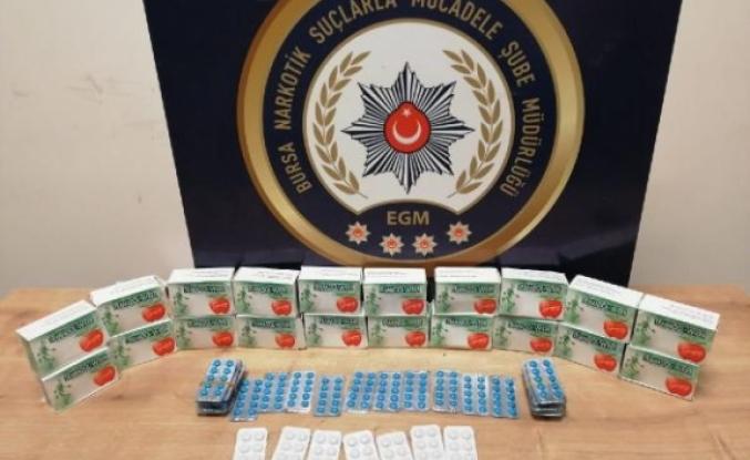 2 bin 270 yeşil reçeteli ilaçla yakalandı