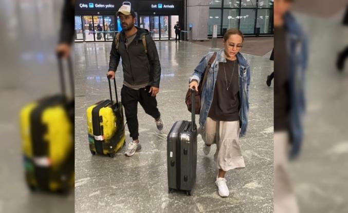 Ünlü oyuncu sevgilisiyle tatilden döndü!