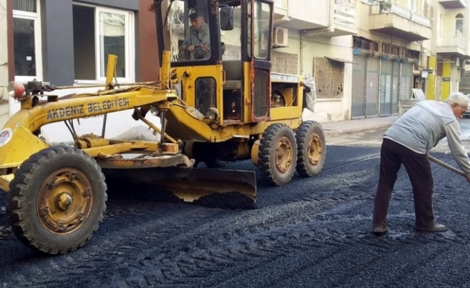 Akdeniz'de Fen İşleri ekipleri aralıksız çalışıyor