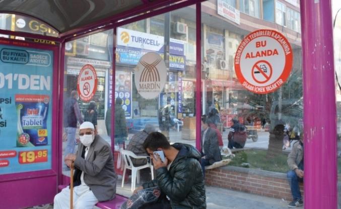 Kızıltepe'de sigara yasağına karşı uyarıcı afişler asılıyor