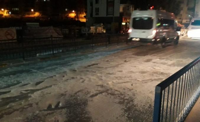 Yollar buz tuttu, vatandaşın imdadına Aydın Büyükşehir Belediyesi yetişti