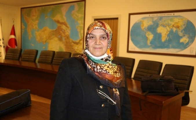 Başörtüsü mağduru Hanife Demir, azmi ile herkese örnek oldu