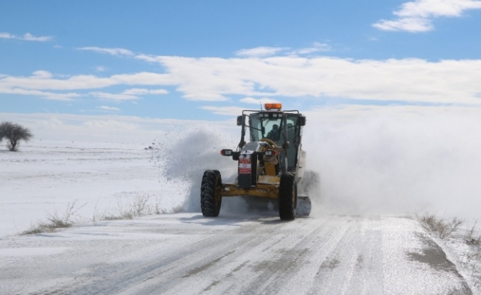 Sivas'ta 375 köy yolu kapalı