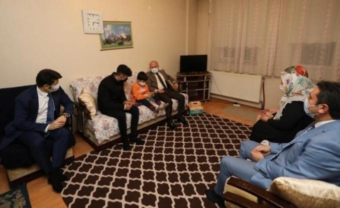 Vali Varol'dan, Çiftçi Ailesine ziyaret