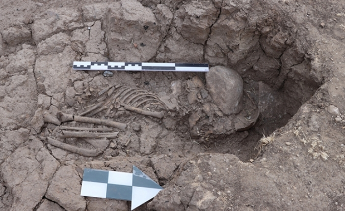 Tozkoparan Höyüğü'nde 5 bin 500 yıllık çocuk iskeleti bulundu