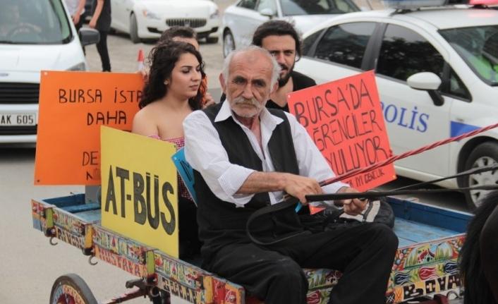 Ulaşım zammına ilginç protesto