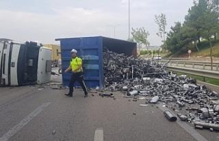 Bursa'da feci kaza! Karayolu trafiğe kapandı