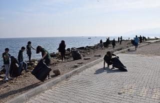 Sahil temizliği anlatıldı