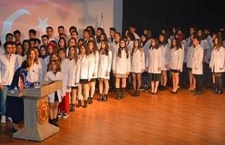Çanakkale'de Diş Hekimliği öğrencileri beyaz...