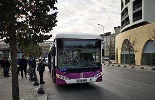 Sancaktepe'de özel halk otobüsünde yangın...