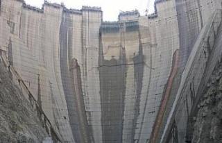 Türkiye'nin en yüksek barajı, 750 bin nüfuslu...