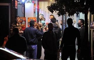 Yasağın ardından Bursalılar marketlere akın etti