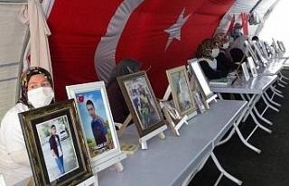 HDP önündeki ailelerin evlat nöbeti 398'inci...