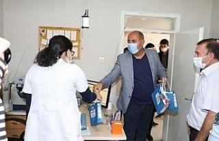 Korona virüsle mücadele eden sağlık çalışanlarına...