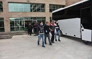 Antalya'da eş zamanlı operasyonda aranan 37 kişi...
