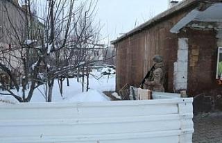 Bitlis'te uyuşturucu tacirlerine operasyon: 9 gözaltı