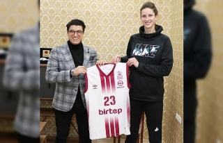 Elazığ İl Özel İdare, Kristine Vitola'yı transfer...