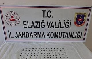 Jandarma alıcılı kılığında 103 adet tarihi...