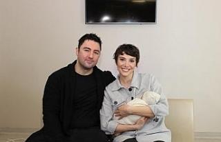 Kanseri yendi, dondurulmuş embriyo ile anne oldu
