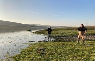 Sazlıdere Barajı'da kaçak avlama yapan 2 kişi...