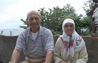Trabzon'da çıkan yangında yaşlı çift hayatını...
