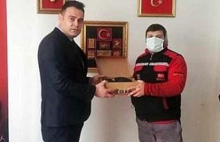 TÜSİKON'dan esnafa destek