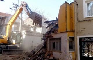 Bursa Osmangazi'de Metruk Binalar Bir Bir Yıkılıyor...