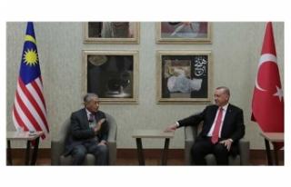 Cumhurbaşkanı Erdoğan, eski Malezya Başbakanı...