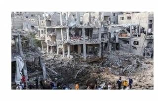 Filistin halkının, bombalanan evlerinin enkazı...
