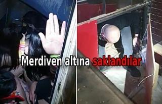 Polisi görünce tuvalete ve sahnenin altındaki bölüme...