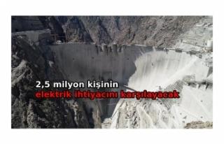 Türkiye'nin en yüksek barajındaekonomiye...