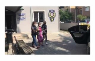 Türk bayrağını yırtan kadın tutuklandı