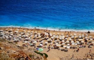 Turizmde ziyaretçi arttı gelir düştü