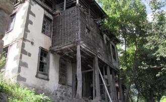 Tarihi Nuri Paşa Konağı ilgi bekliyor