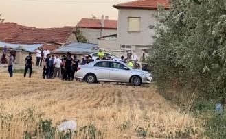 Eve düzenlenen silahlı saldırıda 7 kişi öldü; ev de ateşe verildi