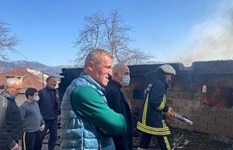 Odunlukta çıkan yangın paniğe neden oldu
