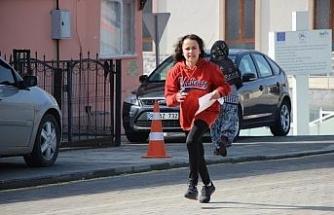 Oryantiring şampiyonasında çocuklar ter döktü