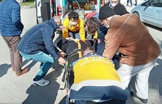 Sinop'ta motosiklet yayaya çarptı: 1 yaralı
