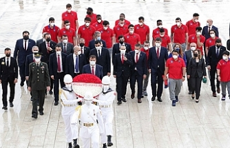 Anadolu Efes, EuroLeague kupasıyla Anıtkabir'de