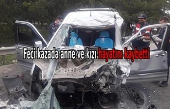 TIR'a çarpan araçtaki anne ve kızı öldü, baba ve 2 oğlu yaralandı