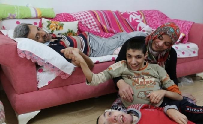 İki engelli çocuğuna bakarken kansere yakalanan baba hayatını kaybetti