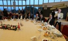 Başbakan Yardımcısı Çavuşoğlu Bursa'da iftar yaptı